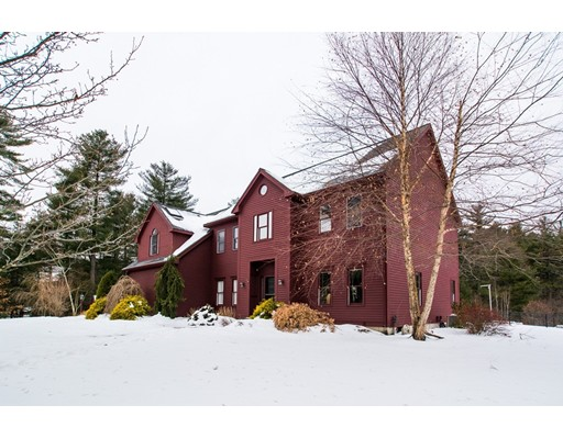 Single Family Home for Sale at 7 Goss Pond Road Upton, Massachusetts 01568 United States