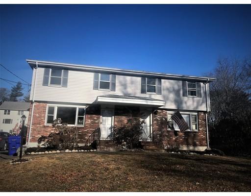 Частный односемейный дом для того Аренда на 222 Hart Street 222 Hart Street Taunton, Массачусетс 02780 Соединенные Штаты