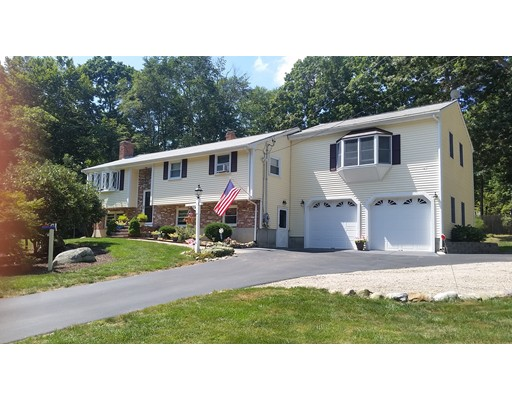Maison unifamiliale pour l Vente à 55 Ashtead Road 55 Ashtead Road Bridgewater, Massachusetts 02324 États-Unis