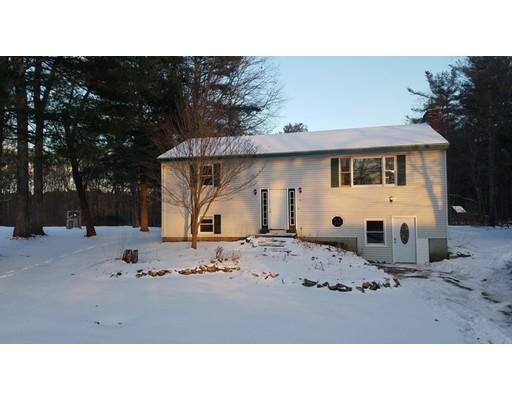 独户住宅 为 销售 在 124 City Depot Road 124 City Depot Road Charlton, 马萨诸塞州 01507 美国