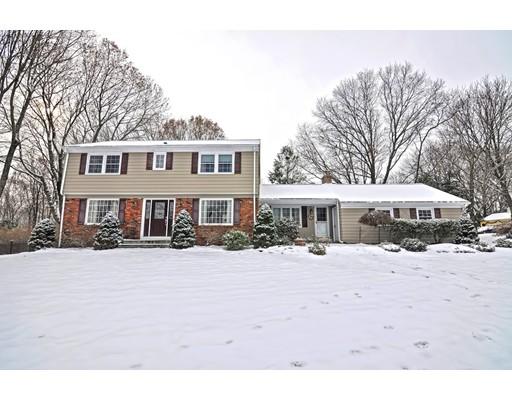 Casa Unifamiliar por un Venta en 1 Sunnyside Drive 1 Sunnyside Drive Cumberland, Rhode Island 02864 Estados Unidos