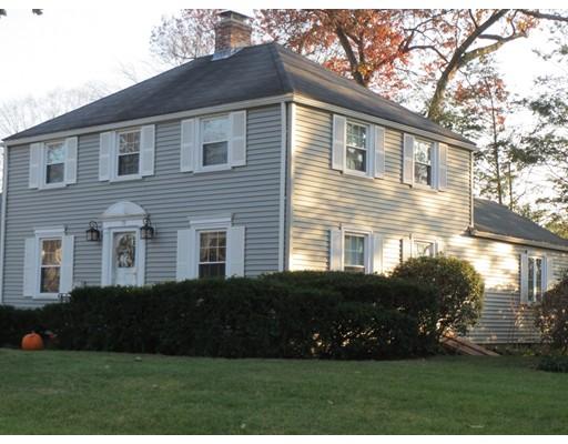 独户住宅 为 销售 在 79 Hillcrest Avenue 79 Hillcrest Avenue Longmeadow, 马萨诸塞州 01106 美国