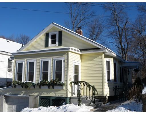 独户住宅 为 销售 在 11 Columbus Avenue 11 Columbus Avenue Lawrence, 马萨诸塞州 01841 美国