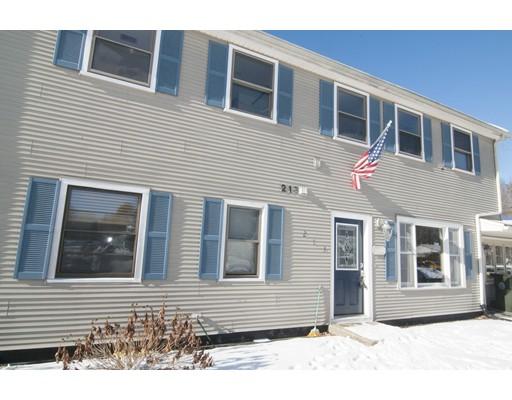 Maison unifamiliale pour l Vente à 213 Ruthellen Drive 213 Ruthellen Drive Bellingham, Massachusetts 02019 États-Unis
