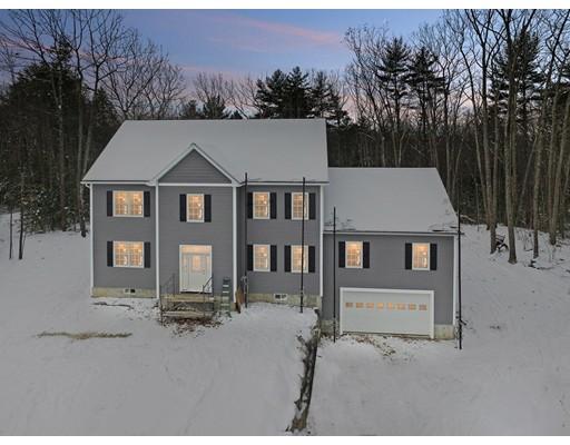 واحد منزل الأسرة للـ Sale في 7 Lefevre Drive 7 Lefevre Drive Kingston, New Hampshire 03848 United States