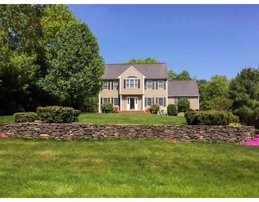 واحد منزل الأسرة للـ Sale في 1 Keryns Way 1 Keryns Way Foxboro, Massachusetts 02035 United States