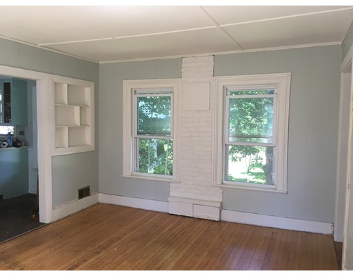 Appartement pour l à louer à 6 Green St #2 6 Green St #2 Medfield, Massachusetts 02052 États-Unis