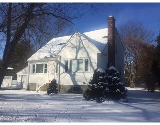 Additional photo for property listing at 24 Cross Street  Reading, Massachusetts 01867 Estados Unidos