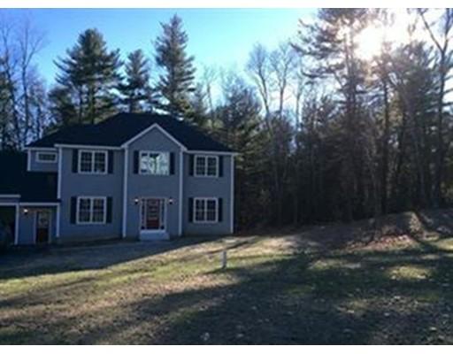 Частный односемейный дом для того Продажа на 17 Meredith Way 17 Meredith Way Sturbridge, Массачусетс 01518 Соединенные Штаты