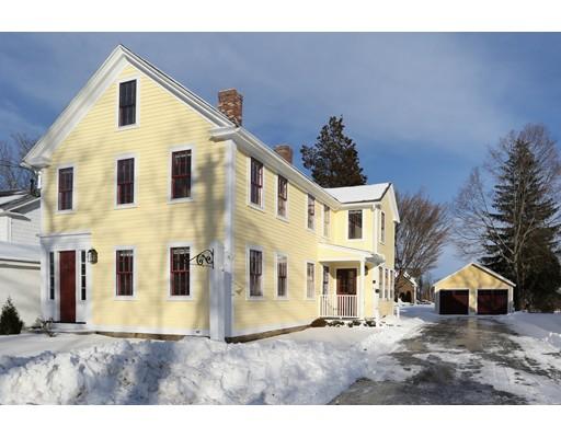 Частный односемейный дом для того Продажа на 64 Central Street 64 Central Street Southborough, Массачусетс 01745 Соединенные Штаты