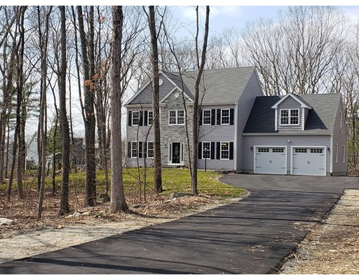 Single Family Home for Sale at 40 Green Street 40 Green Street Foxboro, Massachusetts 02035 United States