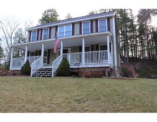واحد منزل الأسرة للـ Sale في 293 Bacon Road 293 Bacon Road Henniker, New Hampshire 03242 United States