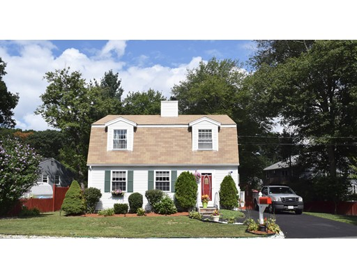 Single Family Home for Sale at 16 woodland Avenue 16 woodland Avenue Saugus, Massachusetts 01906 United States