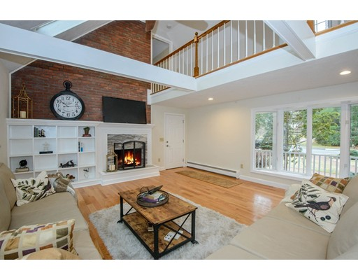 Single Family Home for Sale at 9 Windsor Road 9 Windsor Road Lynnfield, Massachusetts 01940 United States