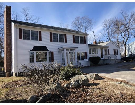 Частный односемейный дом для того Продажа на 101 Pond Street 101 Pond Street Stoneham, Массачусетс 02180 Соединенные Штаты
