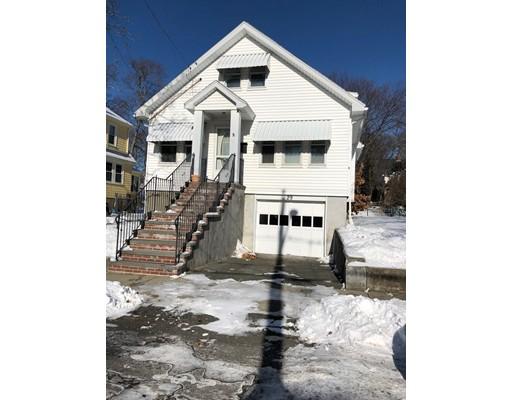 Casa Unifamiliar por un Alquiler en 29 Brewster Road 29 Brewster Road Medford, Massachusetts 02155 Estados Unidos