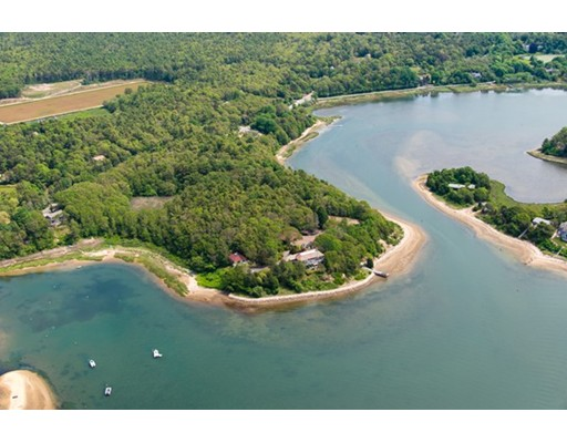 Single Family Home for Sale at 681 Head of the Bay 681 Head of the Bay Bourne, Massachusetts 02532 United States