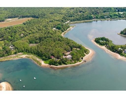 Casa Unifamiliar por un Venta en 681 Head of the Bay 681 Head of the Bay Bourne, Massachusetts 02532 Estados Unidos