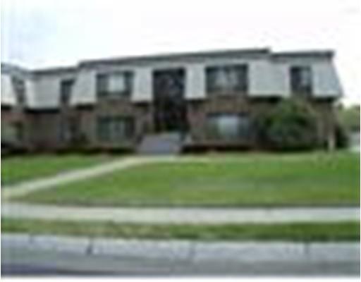 Condominio por un Alquiler en 6 Hallmark Gardens #3 6 Hallmark Gardens #3 Burlington, Massachusetts 01803 Estados Unidos
