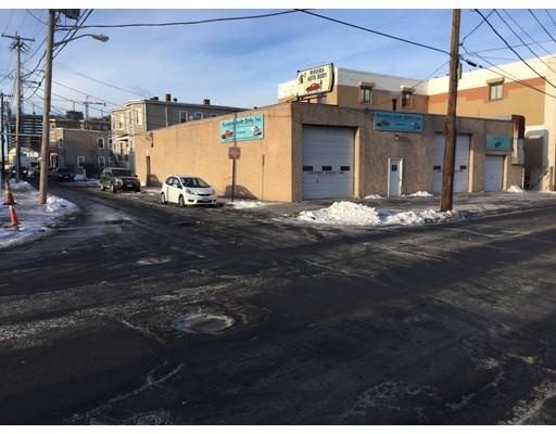 商用 为 销售 在 112 Bow Street 112 Bow Street Everett, 马萨诸塞州 02149 美国