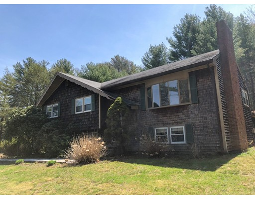 Single Family Home for Sale at 47 Adams Circle 47 Adams Circle Hanson, Massachusetts 02341 United States