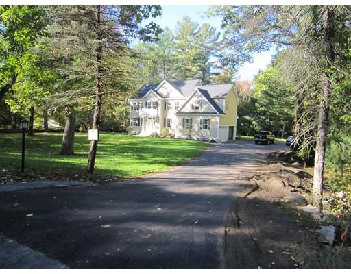 Casa Unifamiliar por un Venta en 44 glen Street 44 glen Street Dover, Massachusetts 02030 Estados Unidos