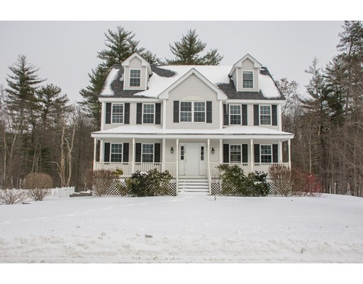 واحد منزل الأسرة للـ Sale في 36 Spencer Knowles Road 36 Spencer Knowles Road Rowley, Massachusetts 01969 United States