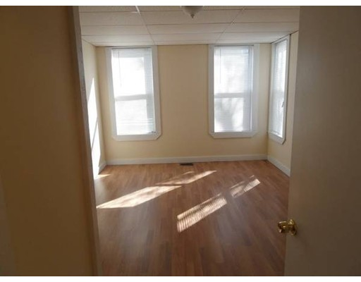 Single Family Home for Rent at 33 Providence Street Worcester, 01604 United States