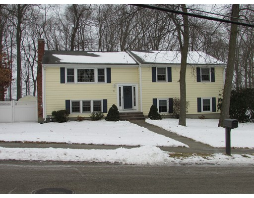 Single Family Home for Sale at 36 Plymouth Drive 36 Plymouth Drive Norwood, Massachusetts 02062 United States