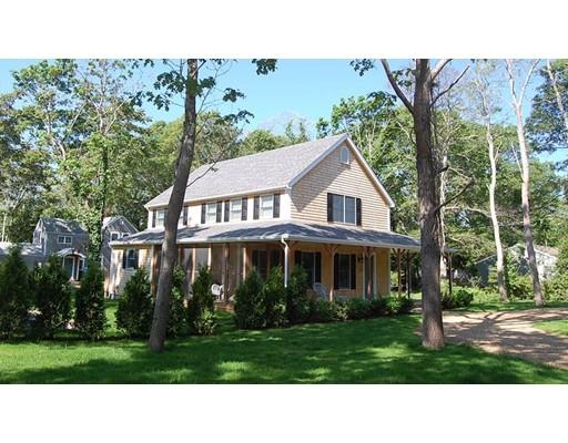 Single Family Home for Sale at 21 Leslie's Lane 21 Leslie's Lane Oak Bluffs, Massachusetts 02557 United States