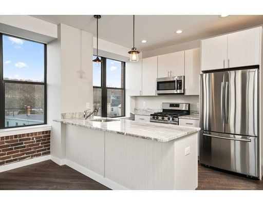 Квартира для того Аренда на 685 Lawrence St #305 685 Lawrence St #305 Lowell, Массачусетс 01852 Соединенные Штаты