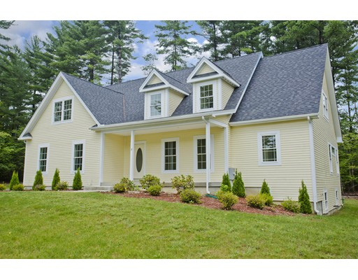 Single Family Home for Sale at 10 Nikki's Way 10 Nikki's Way Hadley, Massachusetts 01035 United States