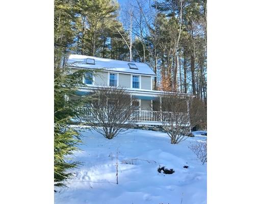 Maison unifamiliale pour l Vente à 4 N. Laurel Drive 4 N. Laurel Drive Shutesbury, Massachusetts 01072 États-Unis