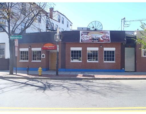 Commercial pour l Vente à 168 Washington Avenue 168 Washington Avenue Chelsea, Massachusetts 02150 États-Unis