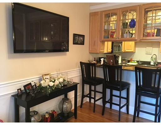 Additional photo for property listing at 876 East Broadway  Boston, Massachusetts 02127 Estados Unidos