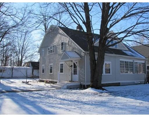 Casa Unifamiliar por un Alquiler en 7 Faulkner 7 Faulkner Ayer, Massachusetts 01432 Estados Unidos