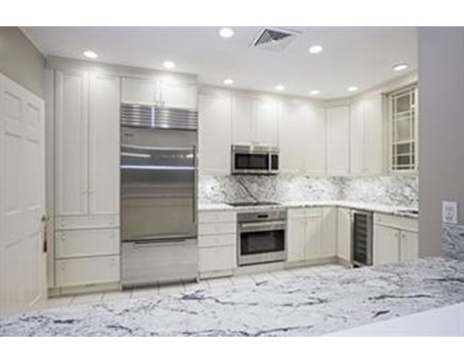 Casa Unifamiliar por un Alquiler en 205 Commonwealth Avenue Boston, Massachusetts 02116 Estados Unidos