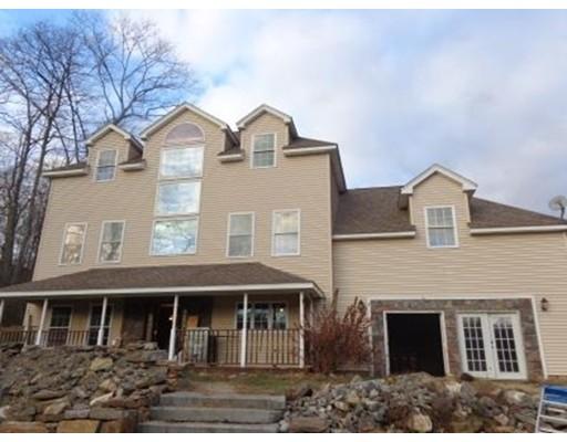 Casa Unifamiliar por un Venta en 23 McBride 23 McBride Wales, Massachusetts 01081 Estados Unidos
