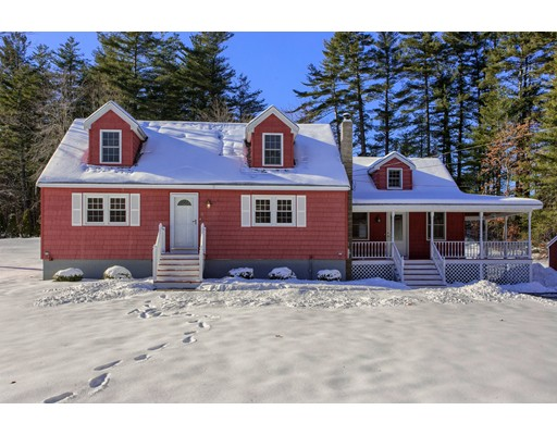 Single Family Home for Sale at 4 Daniel Drive 4 Daniel Drive Pelham, New Hampshire 03076 United States