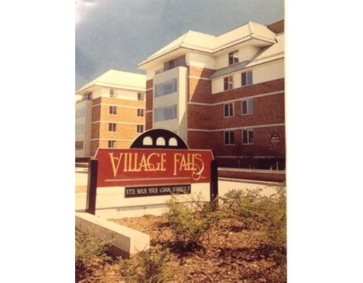Appartement en copropriété pour l à louer à 183 Oak Street #205 183 Oak Street #205 Newton, Massachusetts 02464 États-Unis