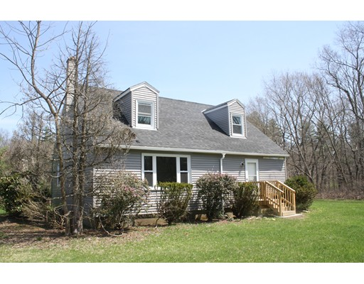 Maison unifamiliale pour l Vente à 99 Long Plain Road 99 Long Plain Road Leverett, Massachusetts 01054 États-Unis
