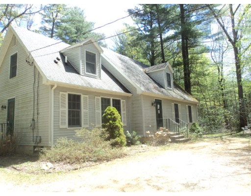 Single Family Home for Sale at 725 Route 198 725 Route 198 Woodstock, Connecticut 06282 United States