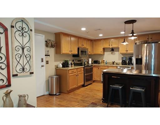 Appartement en copropriété pour l Vente à 494 Woonasquatucket Ave #303 494 Woonasquatucket Ave #303 North Providence, Rhode Island 02911 États-Unis