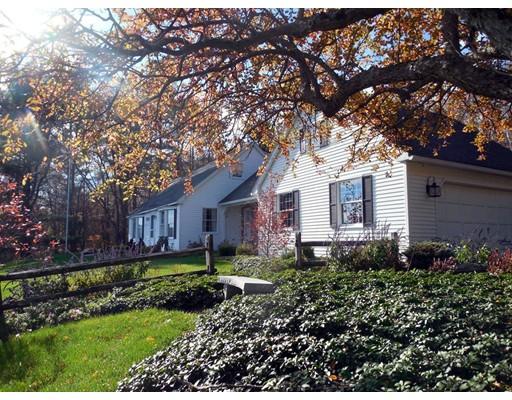 واحد منزل الأسرة للـ Sale في 34 Berkshire Drive 34 Berkshire Drive Ware, Massachusetts 01082 United States
