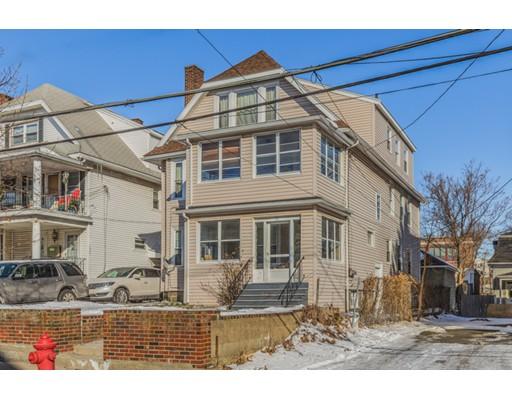 متعددة للعائلات الرئيسية للـ Sale في 32 High Street 32 High Street Everett, Massachusetts 02149 United States