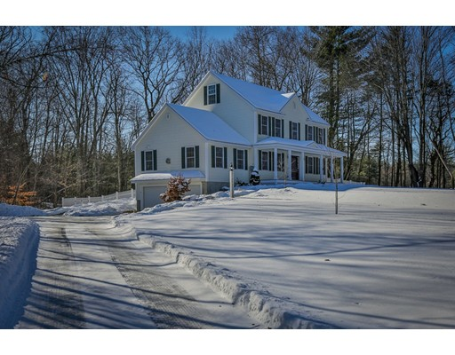 واحد منزل الأسرة للـ Sale في 38 Danville Road 38 Danville Road Kingston, New Hampshire 03848 United States