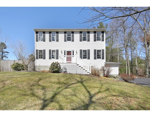 Single Family Home for Sale at 679 Foundry Street 679 Foundry Street Easton, Massachusetts 02375 United States