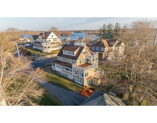 Single Family Home for Sale at 10 Malcolm Street 10 Malcolm Street Hingham, Massachusetts 02043 United States