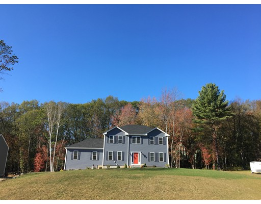Single Family Home for Sale at 8 Pond Street 8 Pond Street Mendon, Massachusetts 01756 United States