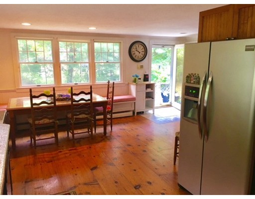 Частный односемейный дом для того Аренда на 391 Pearl Street 391 Pearl Street Brockton, Массачусетс 02301 Соединенные Штаты